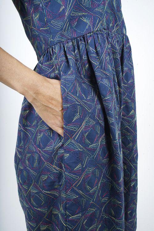 680-70 Robe Brodée coton
