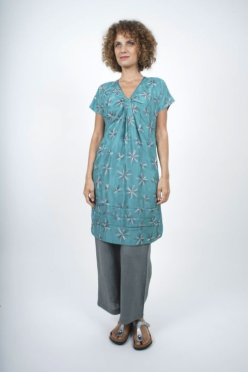 4810-14 Robe tunique en soie brodée